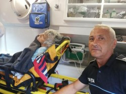 Tanti Duda din Țela (comuna Bata) a fost salvată din fântână de polițistul Radu Vasiescu