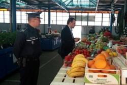 Comercianții de fructe și legume din toată țara sub vizorul inspectorilor. AFLĂ ce verică mai exact