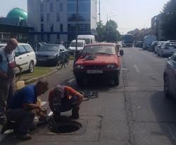 Sancţiune pentru firma care execută lucrările de înlocuire a vechilor conducte de canalizare