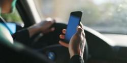Ce pățesc șoferii care țin telefonul în mână în timpul condusului? Anunțul făcut de polițiști
