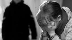 O femeie a fost răpită, violată, și tâlhărită în Arad! Bărbatul a ținut-o cu forța într-o garsonieră din oraș