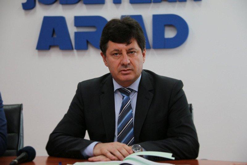 """Iustin Cionca: """"Guvernarea PSD împiedică naveta arădenilor înspre școală sau serviciu"""""""