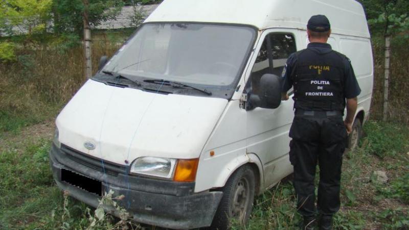 Mașini urmărite internațional, găsite în curtea unui bărbat din Sânpaul