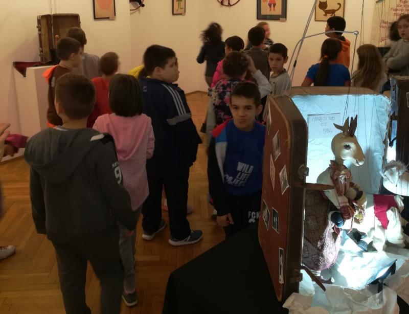 """Expoziția """"Istoria Marionetelor"""" este deschisă până în 27 octombrie"""