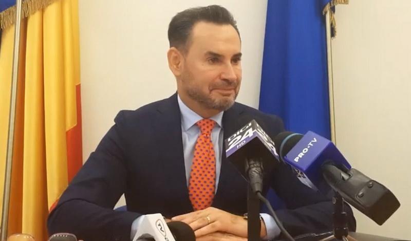 Falcă: Şefii deconcentratelor din Arad să urmeze exemplu şefului lor Fifor şi să intre în opoziţie