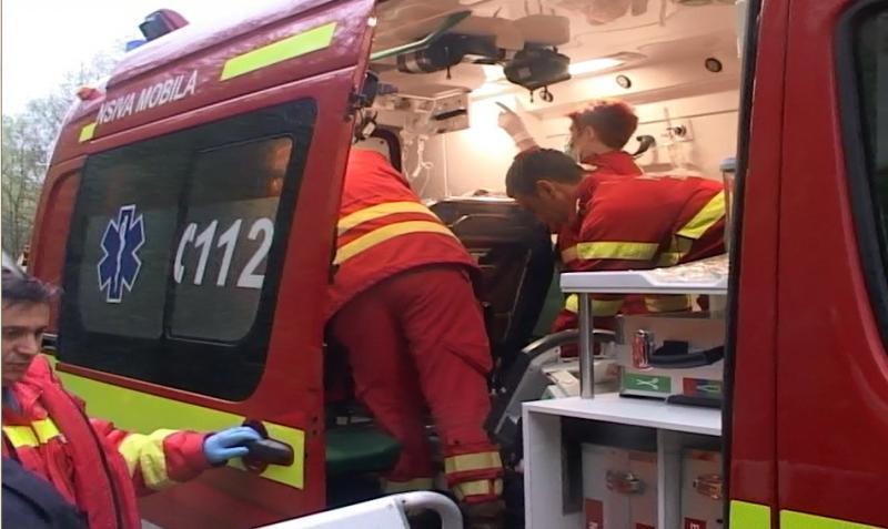 Unei fete de 12 ani, din Lipova, i-a fost secționat piciorul de un tren în stația CFR Radna