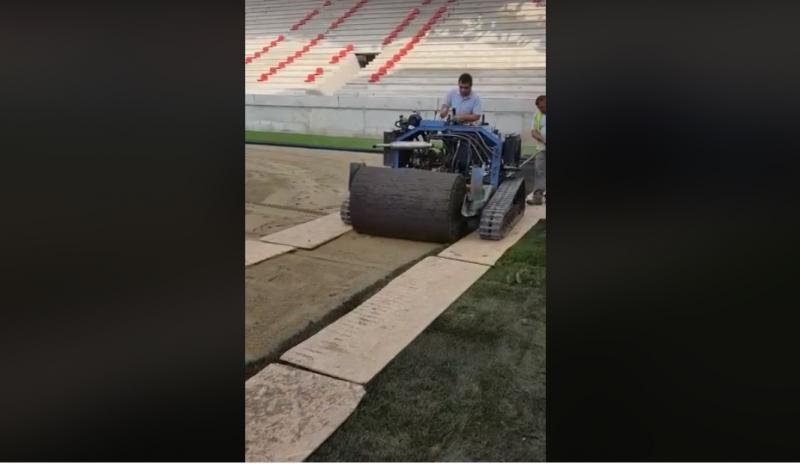 """A început montarea gazonului pe noua arenă din Calea Aurel Vlaicu. """"Unul dintre cele mai moderne stadioane din țară!"""""""
