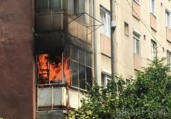 Apartament din Confecții în FLĂCĂRI! Victima este resuscitată