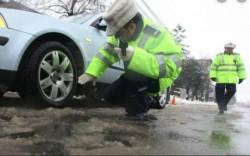 Șoferii pot lua amenzi chiar dacă au anvelope de iarnă ! AFLĂ de ce