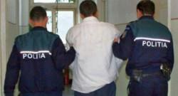 Hoț prins la Arad, după ce a furat 3.000 de euro dintr-o mașină