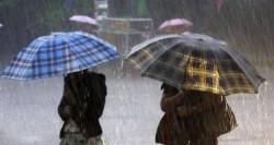 Ploi torențiale și temperaturi mai mici cu 10 grade, în următoarele zile!
