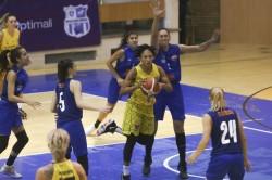 """Marea rivală, umilită la Arad, """"galben-albastrele"""" se califică în sferturi: FCC Baschet – CSM Târgoviște 78-37"""