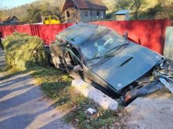 Un șofer a suferit un AVC provocând un grav accident rutier la Petriș