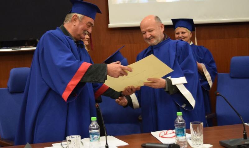 Președintele Uniunii Artiștilor Plastici din România, Doctor Honoris Causa al UAV