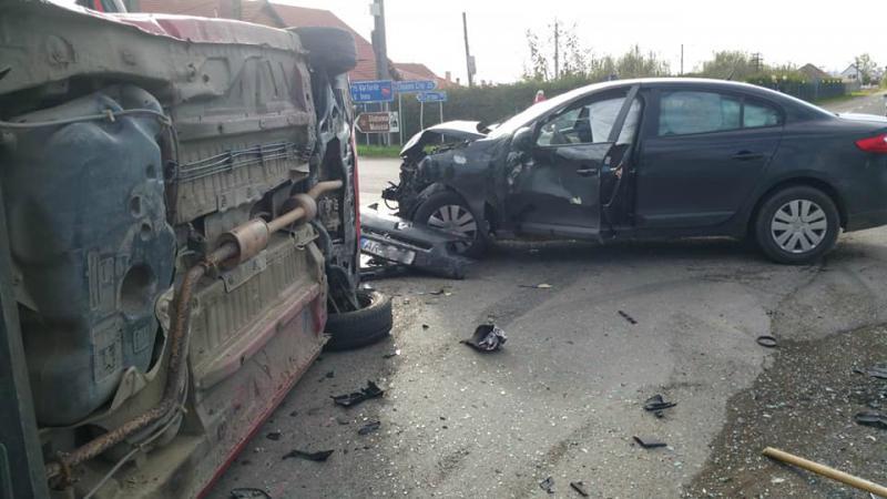 Accident grav, cu cinci VICTIME în Șicula. A fost solicitat elicopterul SMURD