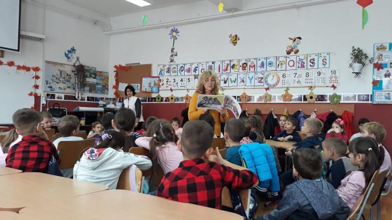 Scriitoarea Lucia Bibarț și o zi de pomină, la Liceul cu Program Sportiv din Arad