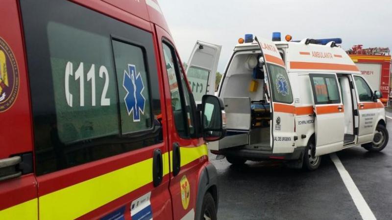 Mașină RĂSTURNATĂ în Arad! O persoană este încarcerată