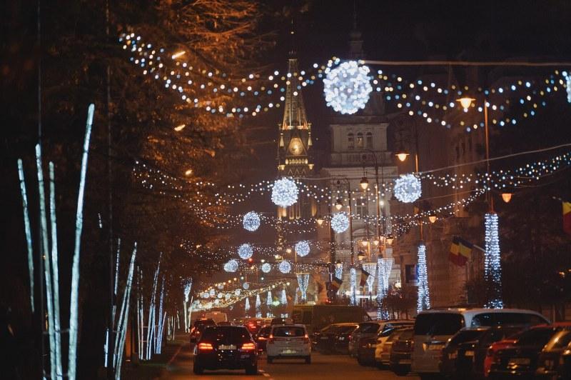 Aprinderea iluminatului festiv în Arad are loc vineri seara