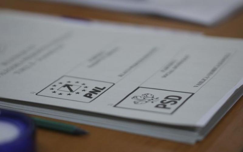 Prezența la vot cu trei ore înainte de închiderea urnelor. Vezi procentul pe țară, diaspora și în județul Arad