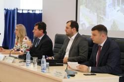 Consilierii județeni au aprobat cuantumul taxelor privind transportul rutier de persoane