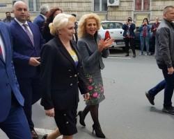 Viorica s-a hotărât să mai riște o tură de huiduieli venind la Arad sâmbătă