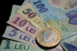 Ce modificări a suferit moneda națională după alegerile de ieri