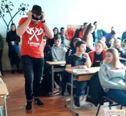 O EXPERIENȚĂ de nota 10, împreună cu comisarul Meszar Răzvan la Liceul cu Program Sportiv Arad