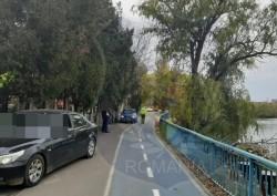 """Poliţia Locală a făcut """"curat"""" pe malul Mureşului. Bizonii parcaţi pe pistele de biciclete sancţionaţi"""