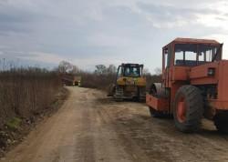 Urmează asfaltarea pentru primul tronson al drumului Gurahonț-Dieci-Buteni