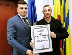 """Jandarmul salvator a primit diploma """"Arădeni cu care ne mândrim"""""""