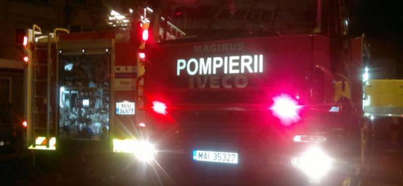 Un incendiu a cuprins o casă din Vărșand. Proprietarul a fost găsit mort în casă