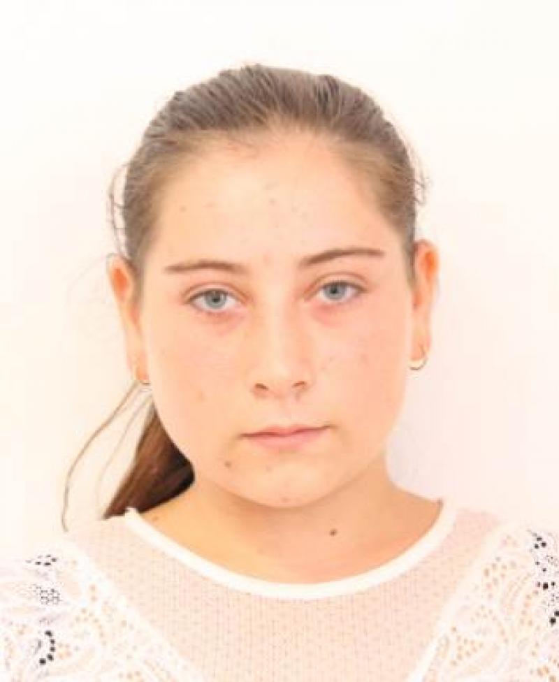 Timeea are 15 ani, este din Craiva și a DISPĂRUT de acasă