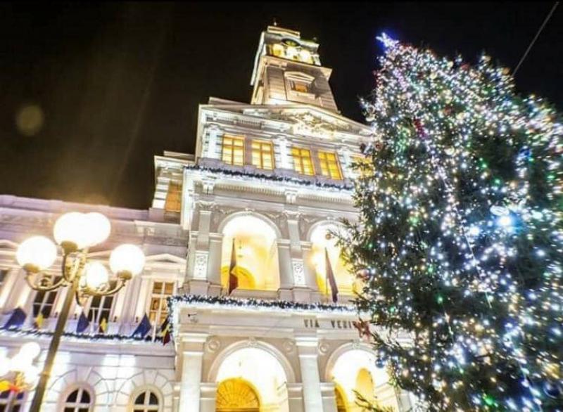 Aprinderea luminițelor din pomul de Crăciun va avea loc în ajun de Moș Nicolae. Vezi aici programul întreg al concertelor de iarnă