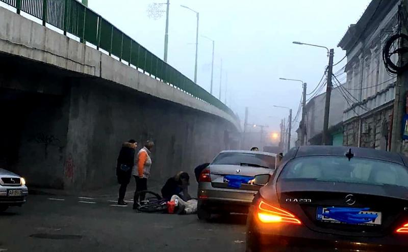 Biciclist lovit de mașină în Grădiște