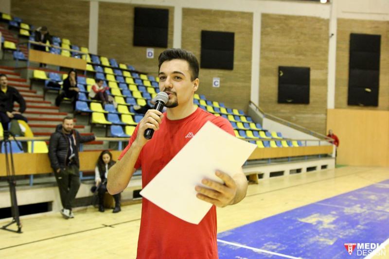 Eveniment caritabil la Sala Polivalentă, organizat de internaționalul de tineret Adrian Petre în colaborare cu Cetatea Voluntarilor