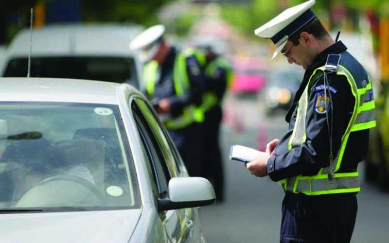Patru șoferi, cercetați pentru infracțiuni rutiere