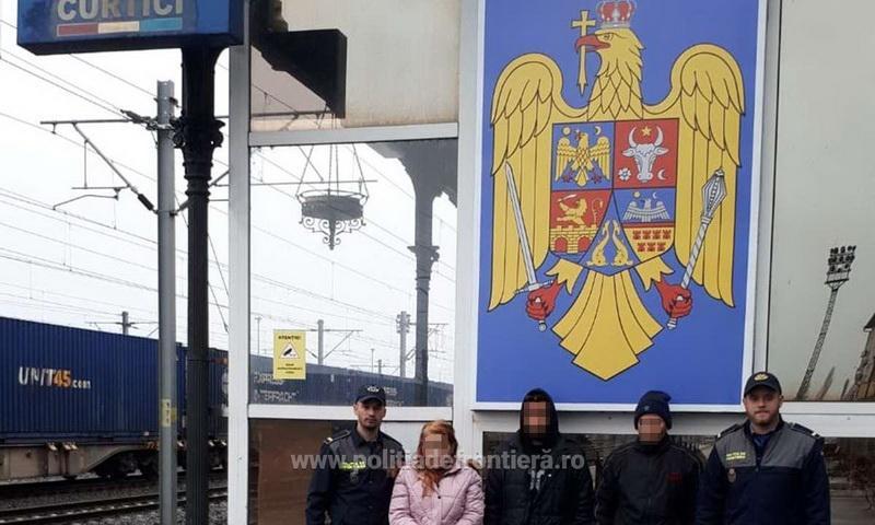 Doi tineri din Maroc şi Algeria, opriţi din drumul ilegal spre Ungaria