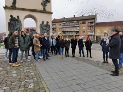 Turişti străini în vizită la Arad