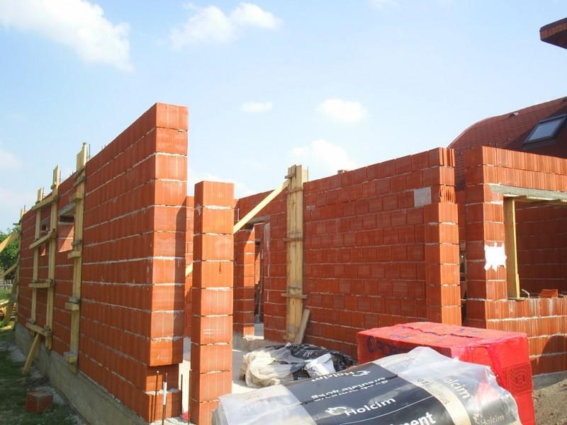 Încă o șansă să intre în legalitate pentru cei care au construit fără autorizație