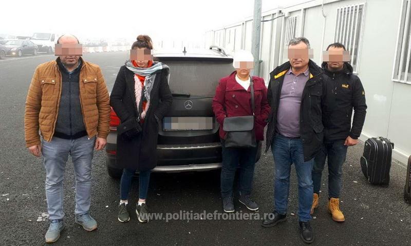 Patru cetăţeni turci cu documente bulgăreşti false, depistaţi la PTF Nădlac II