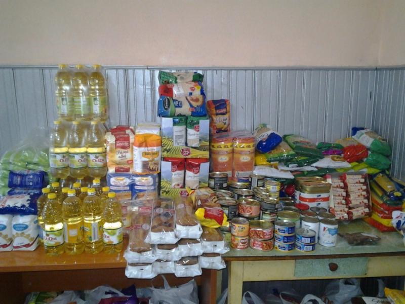 Începe distribuirea ajutoarelor alimentare