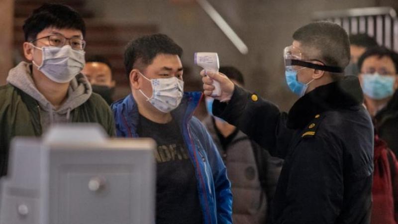 Coronavirusul din China face ravagii: 56 de morți și 2000 de persoane infectate
