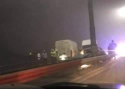 Accident pe podul din Subcetate! Trei autoturisme implicate și cinci victime în prima zi din an