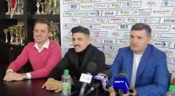 """UTA a confirmat un nou transfer, fundașul stânga albanez, Simo Roumpoulakou. """"Sunt fericit să fiu aici, sper să ne îndeplinim obiectivul, adică promovarea"""""""