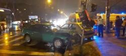 Trei persoane au ajuns la spital în urma unui GRAV accident rutier, luni seara la Timișoara