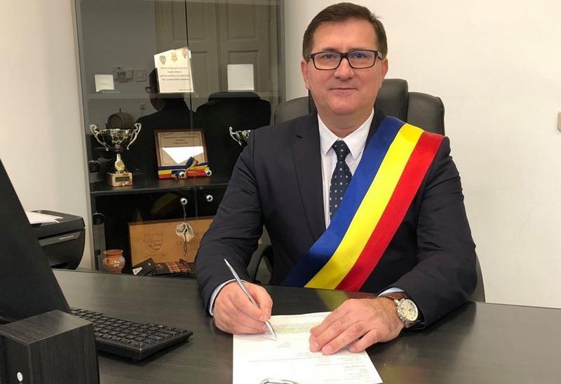 Plecările se ţin lanţ la ALDE Arad! Primarul ALDE din Nădlac, Mărginean-candidează independent!