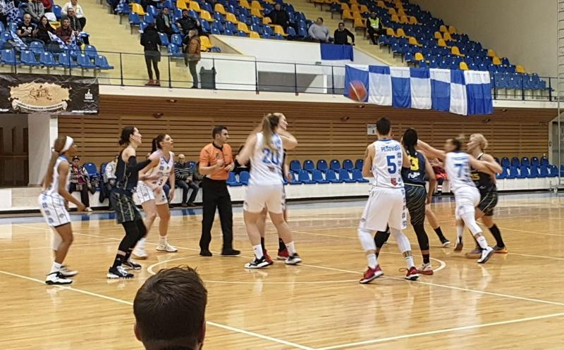 """Victorie importantă în deplasare, """"galben-albastrele"""" urcă pe locul 2: Olimpia Brașov – FCC Baschet Arad 66-77"""