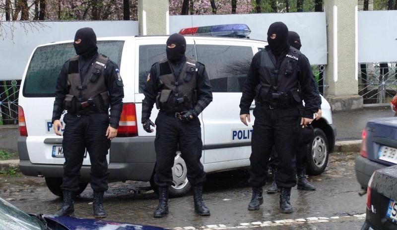 90.000 de euro contrafăcuţi de un tânăr de 23 de ani din Arad