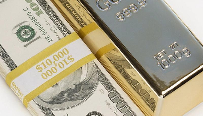 Noi recorduri pentru dolar şi aur