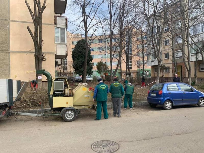 A început curăţenia de PRIMĂVARĂ – Vezi programul pe cartiere!
